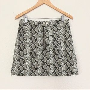 Dresses & Skirts - SNAKE PRINT MINI SKIRT